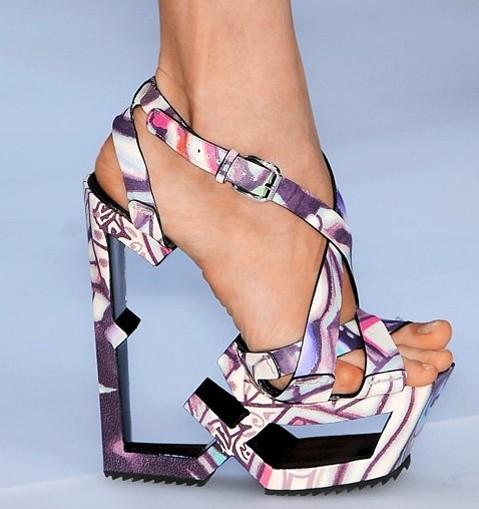 GrassyBottom.com » Sensible Shoes
